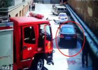 48秒丨潍坊昌乐首例!男子因停车占用消防车通道被罚500元
