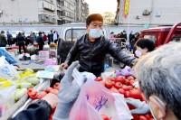 影像力|济南市区最大早市复市开张:千斤甜瓜三小时卖光
