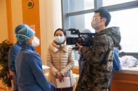 """山东战""""疫""""最美新闻工作者丨吴金成:用镜头记录温暖 """"纸片人""""爆发大能量"""