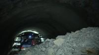 望海石隧道今日贯通 新台高速八个隧道全部贯通今年年底通车