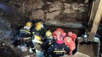 46秒|临沂:下水道施工坑道塌方致一人被困 工友巧用挖斗阻断二次塌方