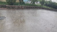 30秒|噼里啪啦一阵响!又急又促的冰雹打在了威海大地上