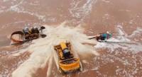 这就是山东丨滨州无棣春盐迎收获期 多彩盐田如大自然调色板