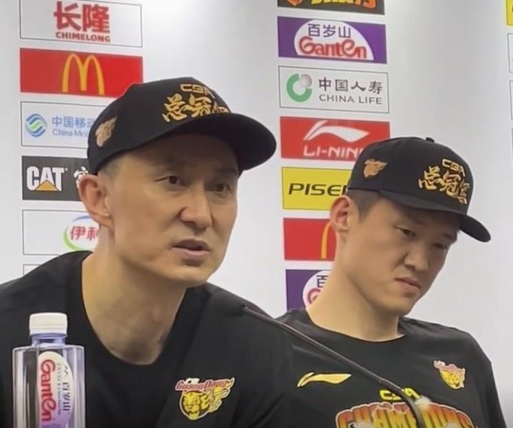 杜锋:周鹏是我心中的MVP 球队有他这样的球员我非常自豪