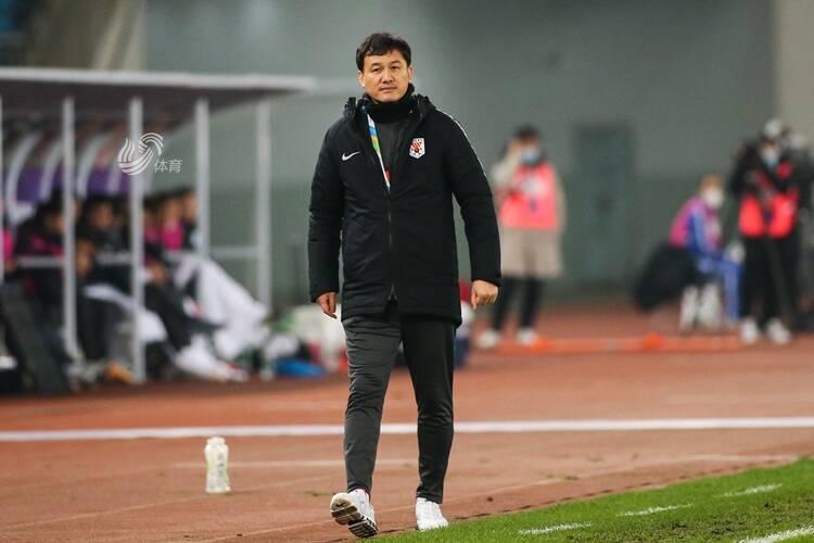 郝伟斩获金帅奖  直言新赛季向更高目标冲击