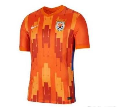 新赛季泰山队主场球衣照曝光,这几款球衣你最Pick哪一款?
