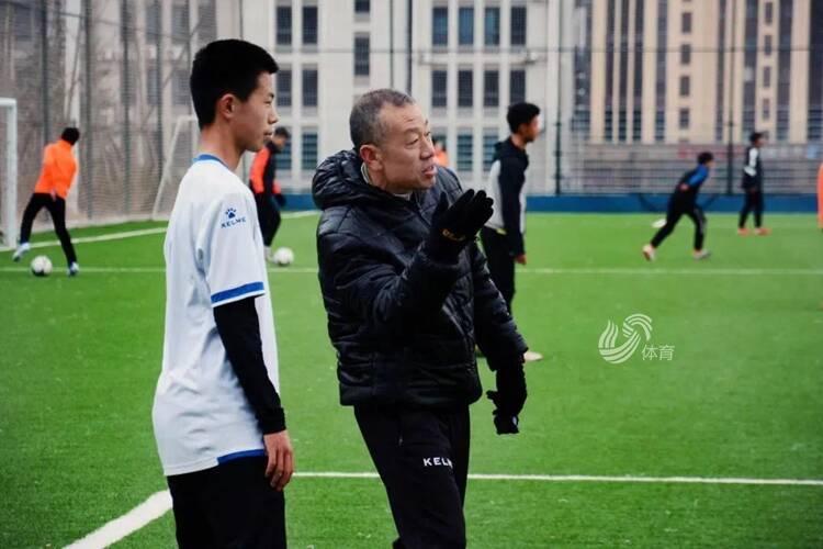 """一起牛起来 !青岛足球牛年新春集体""""侃球"""""""
