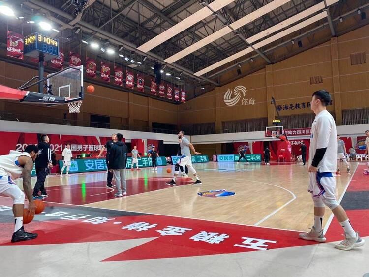 高诗岩伤愈复出 四川男篮三外援报名比赛阵容