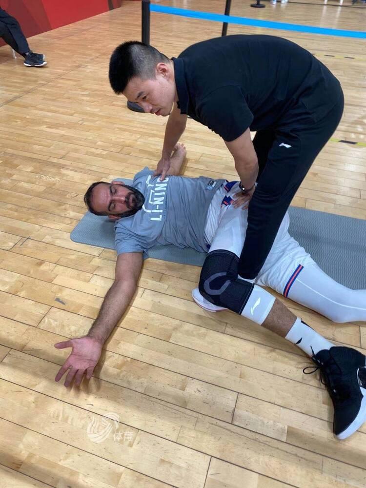 一个哈达迪抢了19个篮板!西王男篮这次篮板又输了