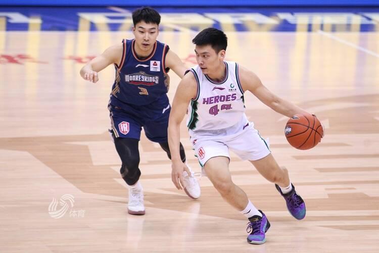 陈培东:技巧挑战赛重在参与 希望高诗岩多扣几个篮