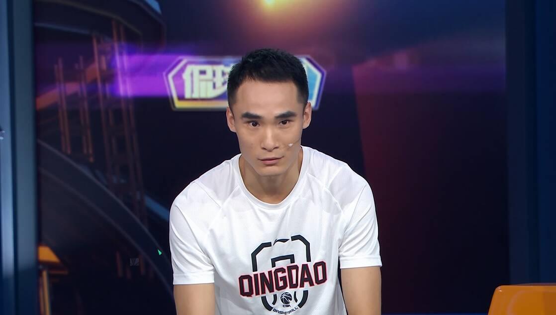 《侃球時間》丨青島男籃夏訓中,王慶明先減肥,張騁宇要增重