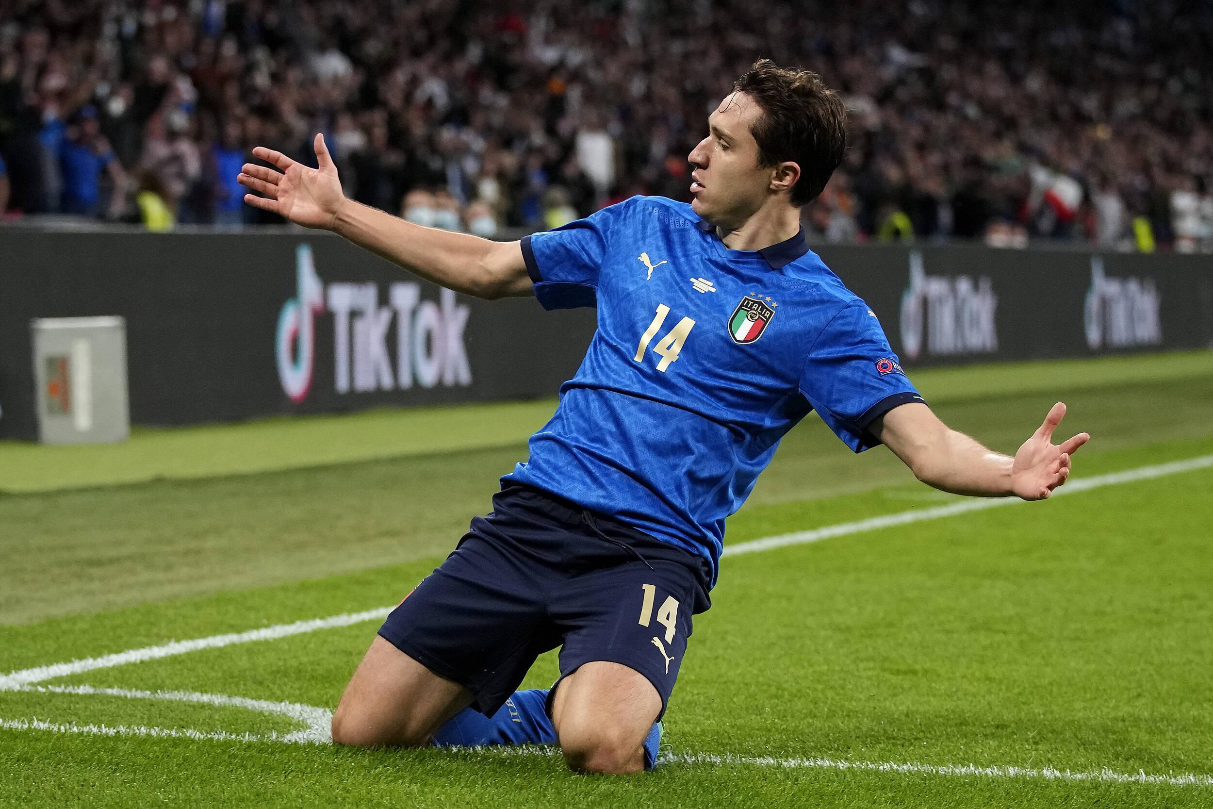 漫话欧洲杯丨虎父无犬子!小基耶萨打进欧洲杯第2球!超越父亲霸气庆祝